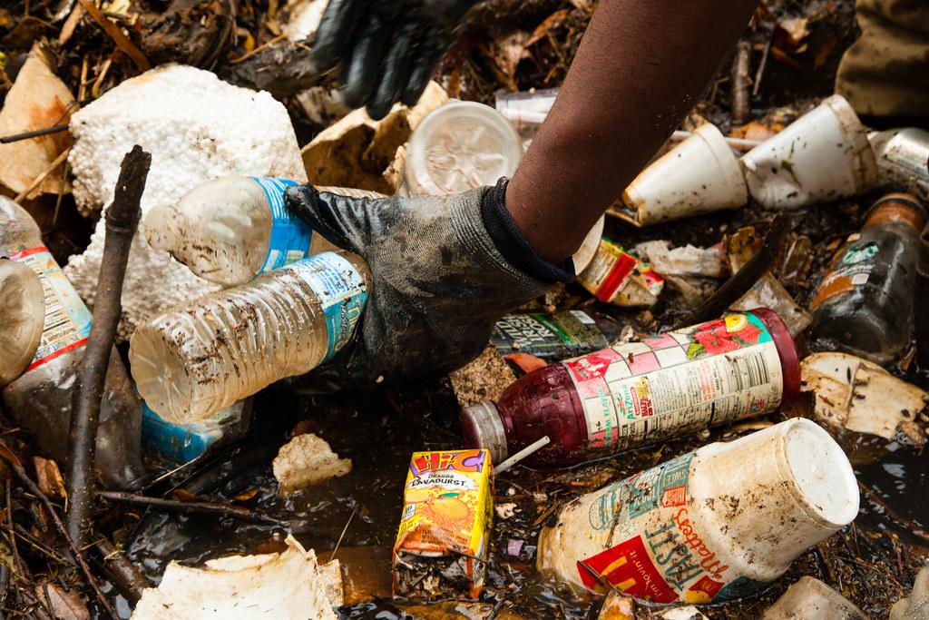 扭轉塑膠浪潮──可口可樂、HP這些公司做了哪些努力?